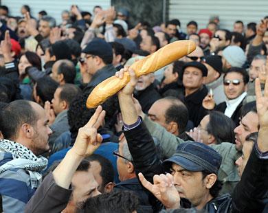 Rivolta in Tunisia per il pane